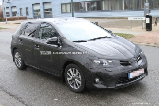 2013_toyota_corolla_spy_photos2