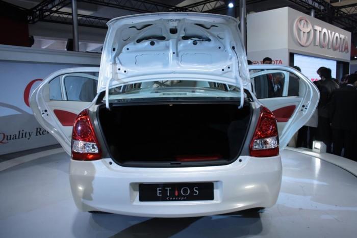 Toyota-Etios-Sedan-9
