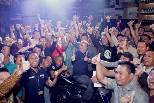 100 konsumen pertama R25 dalam event dinner bersama yang digelar Yamaha Indonesia